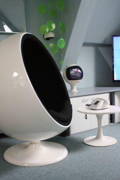 Eero Aarnio Ball Chair