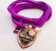 Elastisches Handgefärbtes Seidearmbänder mit Herz und Brezel