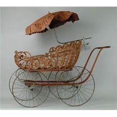 vintage Bamboo baby stroller with umbrella. Silver Cross Prams, Vintage Pram, Prams And Pushchairs, Baby Buggy, Baby Furniture, Wicker Furniture, Umbrellas Parasols, Baby Prams, Baby Carriage