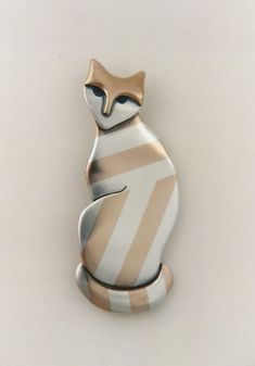 cat sterling & bronze pin 2006. Ahlene Welsh