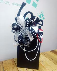 Creative Gift Wrapping, Creative Gifts, Wrapping Ideas, Candy Bouquet, Food Gifts, Gift Packaging, Gift Bags, Gift Baskets, Handicraft
