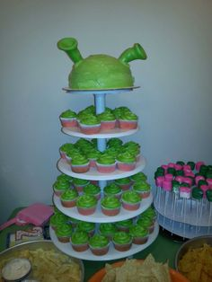 Shrek, strawberry and key lime cake and cupcakes.