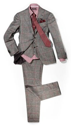 Pink for man!! The choice of shirt and tie are the perfect complement to the suit.