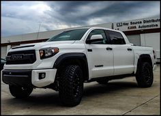 69 best tundra images toyota trucks toyota tundra trd pro lifted rh pinterest com