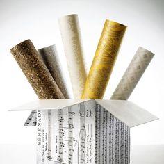 CAIXA DE SURPRESAS | A variedade de papéis de parede que a Spengler Decor traz no seu portifolio surpreende todos os estilos de decoração. E todos os gostos também.Saiba mais aqui: http://www.spenglerdecor.com.br/5-razoes-para-usar-papel-de-parede-na-decoracao/ #revestimentos #papeldeparede #decoracao #SpenglerDecor