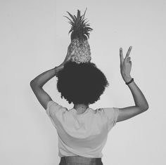 You decide your vibe #goodvibes #peace #love #happyness #pineapple #blackandwhite