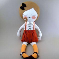 He encontrado este interesante anuncio de Etsy en https://www.etsy.com/es/listing/243166539/audrey-18-cloth-doll-rag-doll