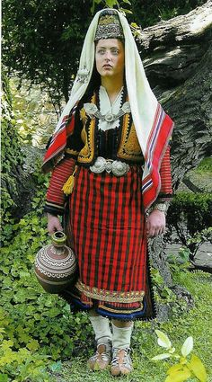 cattleya: Gallery of European traditional costumes & cultural uniforms 4