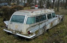 Buick ambulance not a 50 its a 60 Abandoned Cars, Abandoned Places, Buick Cars, The Ghostbusters, Flower Car, Rescue Vehicles, Rusty Cars, Emergency Vehicles, Barn Finds