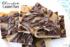 Chocolate Caramel Bars made with just 4 simple ingredients! Easy buttery crust topped with a quick caramel then swirled with melted chocolate. Chocolate Caramel Bars have got to be one of my favorite caramel treats Homemade Caramel Recipes, Homemade Snickers, Homemade Caramels, Homemade Candies, Salted Caramel Bars, Toffee Bars, Caramel Treats, Caramel Candy, Salted Butter