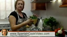 Truco: Como Picar Perejil - Tip: How Chopping Parsley / SpanishCookVideo by Nancy Ballesteros - Google+