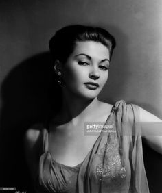 Portrait of actress Yvonne De Carlo (1922-2007)