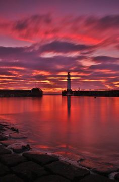 Newhaven Lighthouse by Jordan Moffat on 500px