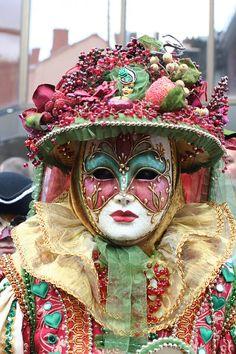 mask-141740_960_720.jpg (480×720)