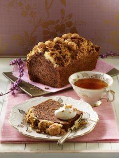 Rotweinkuchen mit Kirschen und Amarettini