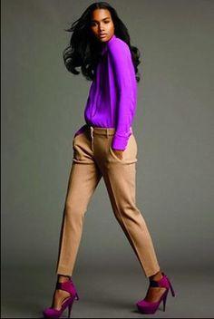 Amo éste estilo, tengo la tela para hacerme el pantalón y después sigo con la blusa.