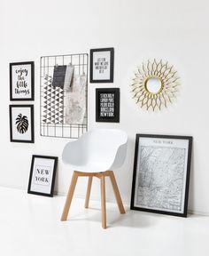 Een modern interieur staat dit voorjaar voor een fris interieur! Ga bijvoorbeeld voor kleuraccenten en kies voor 'lichte' materialen zoals gemalen bamboe. Meer weten hoe je jouw moderne interieur helemaal klaar maakt voor het voorjaar? Je leest het hier > #wonen #interieur #wooninspiratie #modernwonen #modernewoonstijl #kwantum