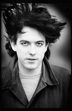 robert smith - THE CURE, English Christian Singer-Songwriter GoTH new-wave Punk…