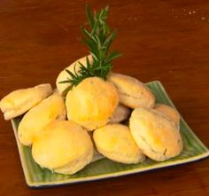 Biscuits: Video: Sam the Cooking Guy takes us to his backyard to learn about his vertical, vegetable garden and how it helps make recipes amazing! Sam shows us how we can make a simple, yet delicious biscuit out of boxed ingredients. He adds some fresh rosemary to turn this home staple into a new experience everyone will love.   For more great recipes: http://www.cox7.com/sam-the-cooking-guy