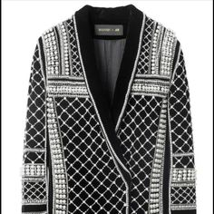 Balmain jacket Have the jacket brand new in a size 6.  Need a size 8. Either trade or please buy so I can get my size.  A girl on here wants to sell me a size 8. But with her shopping and all its $650 Balmain Dresses Mini