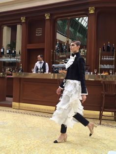 When the clothes match the waiters at @CHANEL #PFW  with a French Brasserie runway
