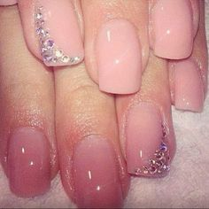 Love these pink nails