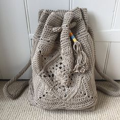 Wildrose Backpack Crochet pattern by Stephanie Lau Baby Blanket Crochet, Crochet Baby, Free Crochet Bag, Crochet Home, Easy Crochet, Crochet Backpack Pattern, Christmas Knitting Patterns, Paintbox Yarn, Yarn Brands