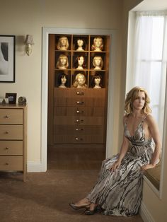 Felicity Huffman as Lynette Scavo - Desperate Housewives - Photo by Andrew Southam Desperate Housewives, Housewife Photos, Teri Hatcher, Felicity Huffman, Devious Maids, Abc Shows, Tv Show Quotes, Eva Longoria, Women Life