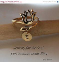 ON SALE Lotus RingPersonalized Lotus JewelryAdjustable por lizix26, $22.95