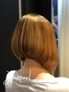 JohnpauL Coiffeurs Créateurs Coloristes Strasbourg #JohnpauL #coiffeurs #createurs #coloristes #strasbourg ins Bun Hairstyles For Long Hair, Hairstyle Ideas, Pretty Hairstyles, Bob Hairstyles, Shaved Bob, Shaved Hair, Angled Bobs, Inverted Bob, Soft Hair
