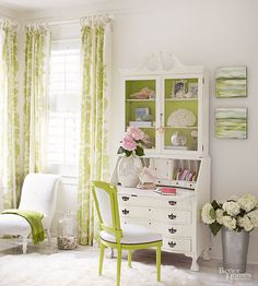 Find a tapestry design that suits your room's practical and aesthetic needs with these ideas for drapes and curtains. Shabby Chic Living Room, Shabby Chic Bedrooms, Shabby Chic Decor, Drapes And Blinds, Drapes Curtains, Bedroom Drapes, Traditional Dining Rooms, Custom Drapes, French Decor