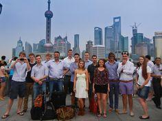 Schon 15 FH-Studierende haben einen Doppelbachelor im Studiengang Internationales Vertriebs- und Einkaufsingenieurwesen an der CDHAW (Chinesisch Deutschen Hochschule für angewandte Wissenschaften) in Shanghai gemacht.