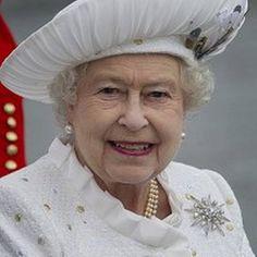 Queen's Jubilee: Queen Elizabeth II, photo by Eddie Mulholland-WPA Pool/Getty Images. Being Queen never goes out of fashion. God Save The Queen, Queen Hat, Royal Queen, White Queen, Isabel Ii, Her Majesty The Queen, Queen Of England, British Monarchy, Queen Elizabeth Ii