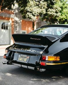 from @vintagecardreams - Porsche 911Carrera RS Photo by @faisalyaqub #porsche911# #porsches #porsche #911 #pin #twitter #regrann