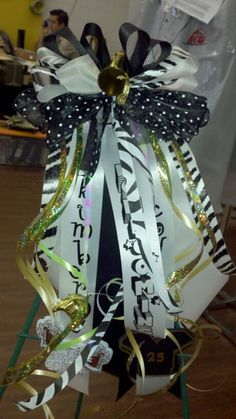 Homecoming garter / no mum flower, just ribbon bows