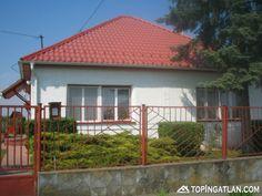Családi ház, gazdálkodásra alkalmas nagy telekkel eladó!