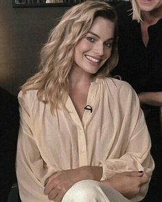 Morgot Robbie, Margot Elise Robbie, Actress Margot Robbie, Margot Robbie Harley Quinn, Goodbye Christopher Robin, Sister Day, Just Girl Things, Actor Model, Woman Crush