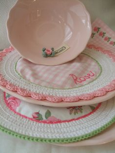 What a great way to use old doilies and protect your dishes! How about using this for a microwave bowl?