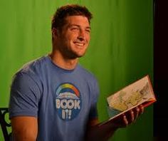 Tim Tebow reads