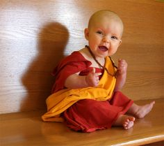 Bald baby Halloween DIY costume: Tibetan monk or the dalai lama. Boy Halloween Costumes, Baby Costumes, Baby Halloween, Baby Buddha, Little Buddha, Funny Babies, Cute Babies, Monk Costume, Cute Baby Dresses
