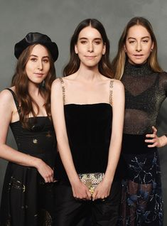 Haim Finally Gave In To This Year's Trendiest Haircut+#refinery29