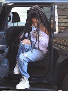 Uploaded by Roula Makrigianni. Find images and videos about rihanna on We Heart It - the app to get lost in what you love. Estilo Rihanna, Rihanna Riri, Rihanna Style, Rihanna Baby, Black Girl Magic, Black Girls, Black Women, Fashion Killa, Look Fashion