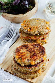 Hamburguesas de quinoa. Receta fácil y saludable con fotografías del paso a paso y recomendaciones de cómo servirlas. Recetas de hamburguesas sin carne