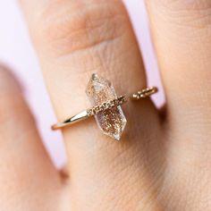 Cute Jewelry, Jewelry Rings, Jewelery, Jewelry Accessories, Jewelry Design, Unique Jewelry, Gold Jewelry, Quartz Jewelry, Antique Jewellery