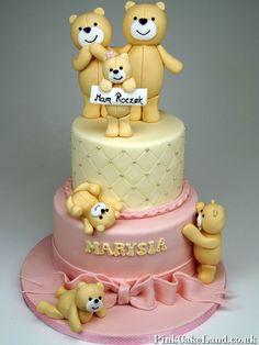 1st Birthday Cake - Teddies Cake #Teddies #Cake #1stBirthday #CHildrensCakes #London http://www.pinkcakeland.co.uk