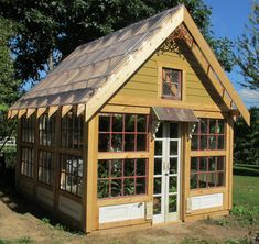 New potting shed/greenhouse from old windows and doors. - New potting shed/greenhouse from old windows and doors. Backyard Greenhouse, Small Greenhouse, Greenhouse Plans, Greenhouse Shed Combo, Garden Buildings, Garden Structures, Old Windows, Windows And Doors, Cabana