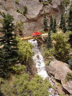 N Scale - Intricate and Dramatic Detail Success Story - Woodland Scenics - Model Layouts, Scenery, Buildings and Figures