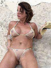 Sexy beautiful mature nude