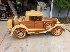 All wood. Wooden Toy Cars, Wood Toys, Mercedes S320, Handmade Wooden Toys, Toy Trucks, Electronics Projects, Play Houses, Wood Carving, Wood Art