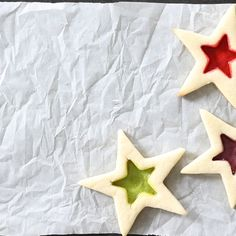 These stained glass gluten free sugar cookies are the easy way to dress up cutout cookies for the holidays. You can even hang them from the tree! Gluten Free Sugar Cookies, Gluten Free Baking, Gluten Free Deserts, Gluten Free Recipes, Christmas Desserts, Christmas Cookies, Christmas Baking, Gluten Free Christmas Recipes, Stained Glass Cookies
